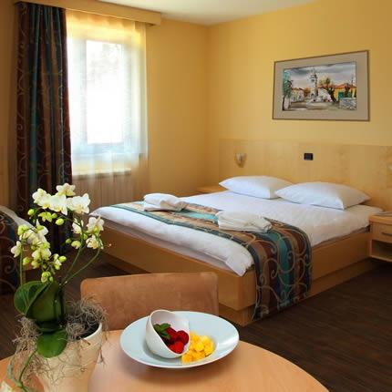 Hotel Malovec štiriposteljna soba